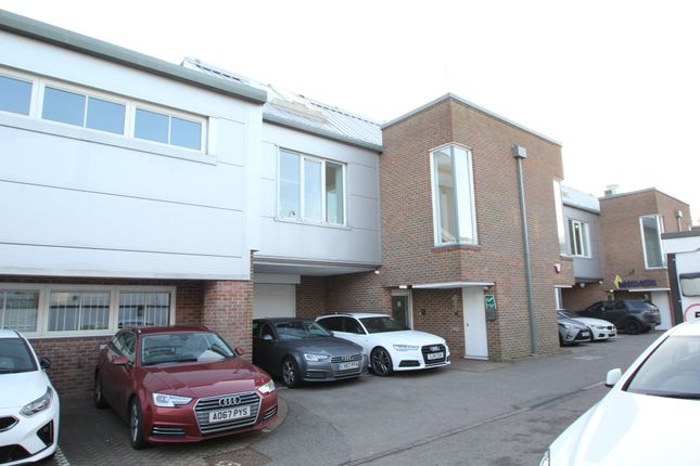 Thumbnail Business park to let in Stirling Way, Borehamwood