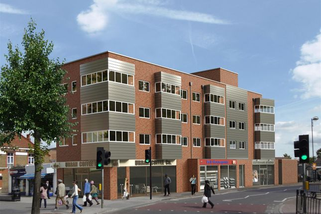 2 bed flat to rent in Staines Road, Hounslow