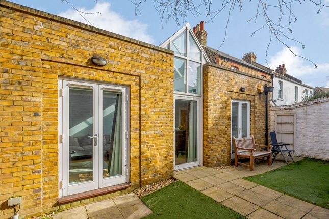 2 bed bungalow for sale in Blue Anchor Alley, Richmond TW9.