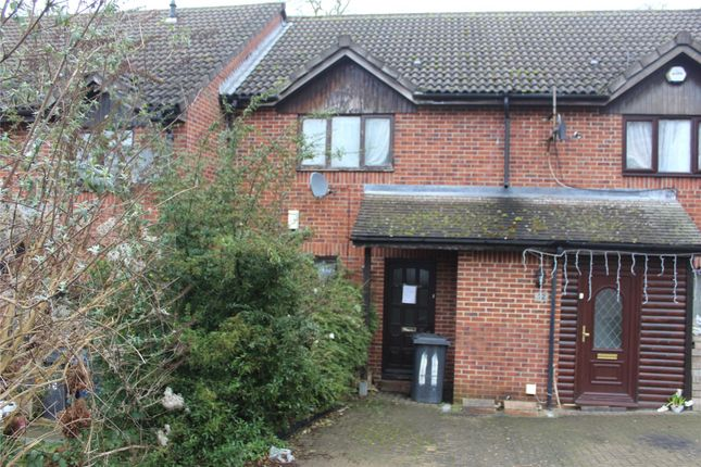 Picture No. 01 of Birchwood Close, High Wycombe, Buckinghamshire HP12
