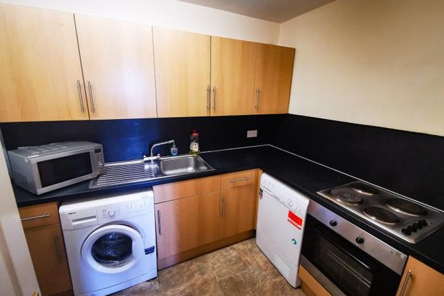 3 bed flat to rent in Dudhope Street, Dundee DD1