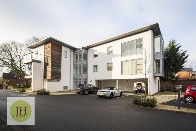 Thumbnail Flat for sale in Dee Hills Park, Chester