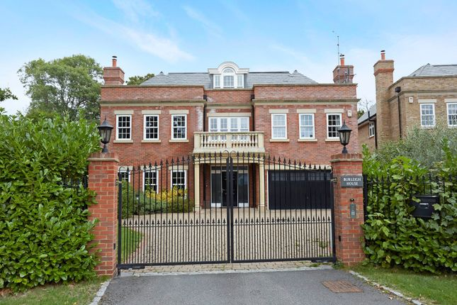 Thumbnail Detached house for sale in Hillview Road, Claygate