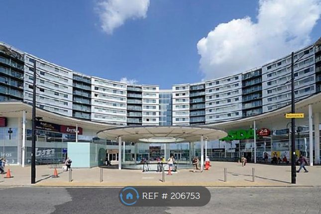 Thumbnail Flat to rent in Prince Regent Road, Hounslow