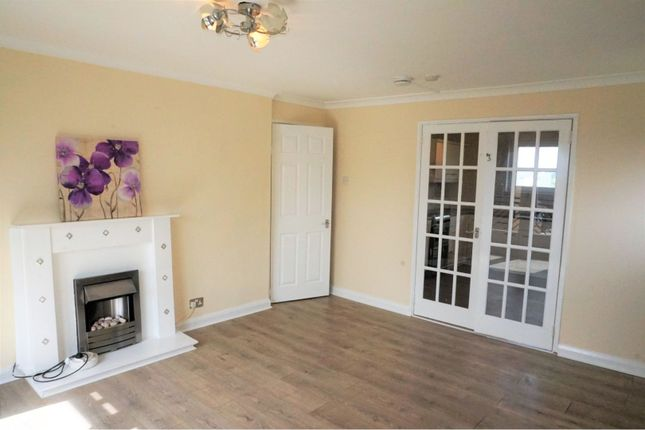 Thumbnail Flat to rent in Calder Glen Courts, Airdrie