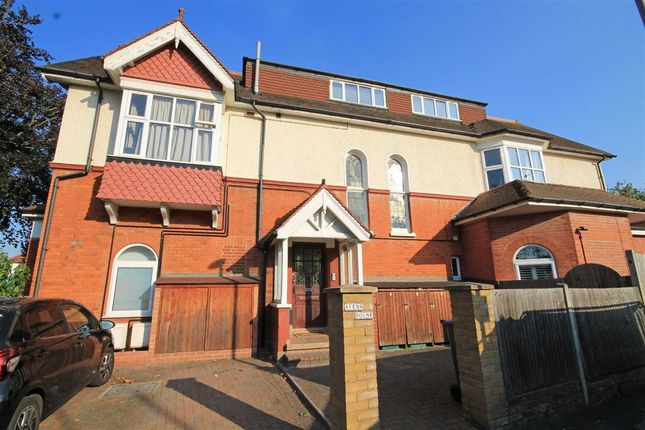 Thumbnail Property to rent in Egmont Road, Tolworth, Surbiton