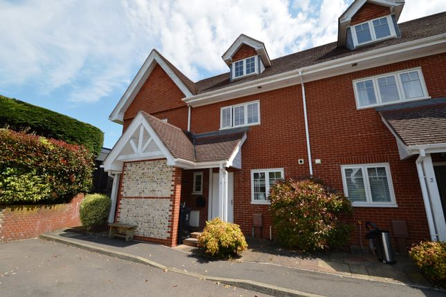 Thumbnail Property to rent in Castle Mews, Horndean, Waterlooville