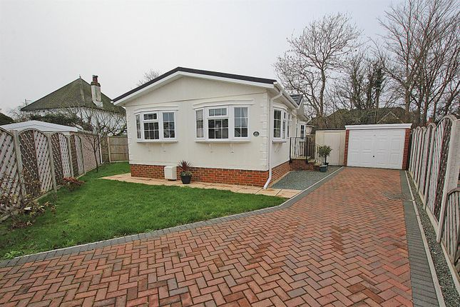 2 bed mobile/park home for sale in Stour Park, New Road, Bournemouth BH10