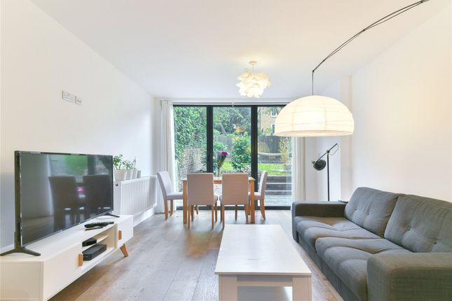 Thumbnail Flat to rent in Springdale Road, London