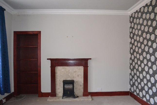 2 bed flat to rent in Wellbank Place, Monifieth, Dundee