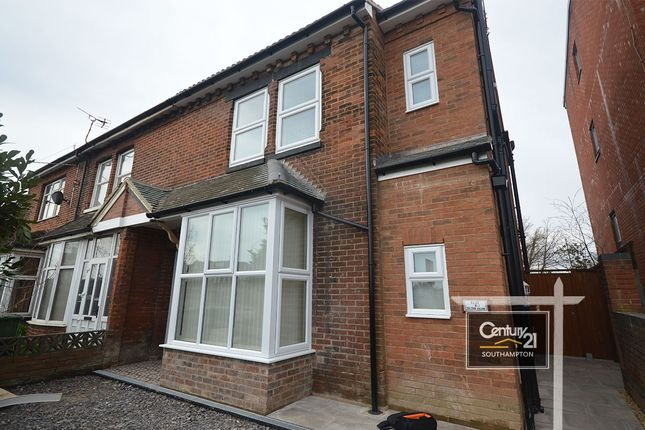 Thumbnail Maisonette to rent in Southampton Road, Eastleigh, Hampshire