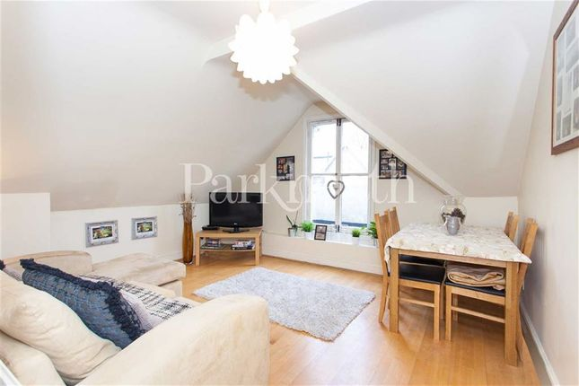 Thumbnail Flat to rent in Woodchurch Road, South Hampstead, London