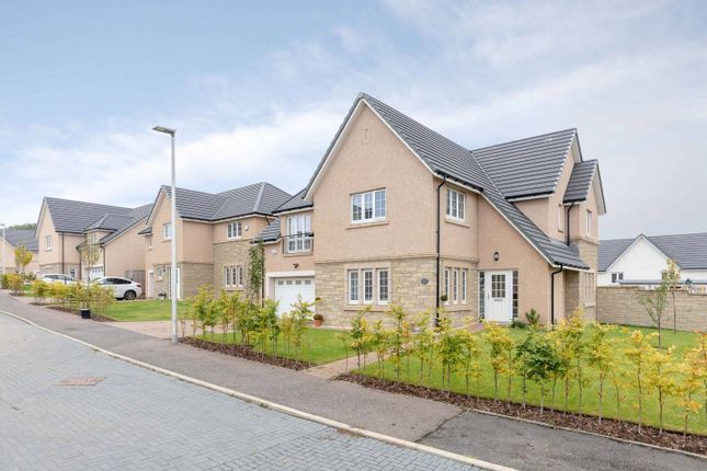 Thumbnail Detached house for sale in Ashgrove Gardens, Loanhead