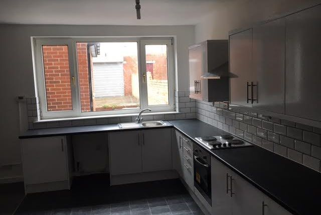 Thumbnail Shared accommodation to rent in Rosedale Street, Sunderland
