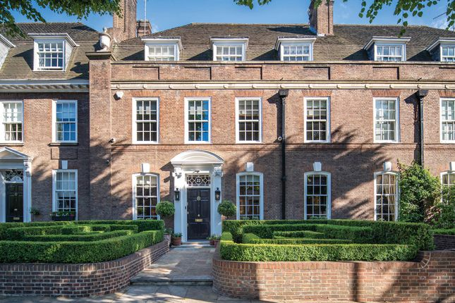 Thumbnail Terraced house for sale in Ilchester Place, London