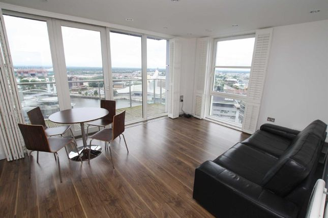 Thumbnail Flat To Rent In Number One Mediacityuk Salford Quays