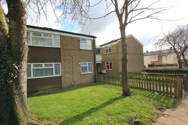 Thumbnail Flat to rent in Archer Road, Stevenage