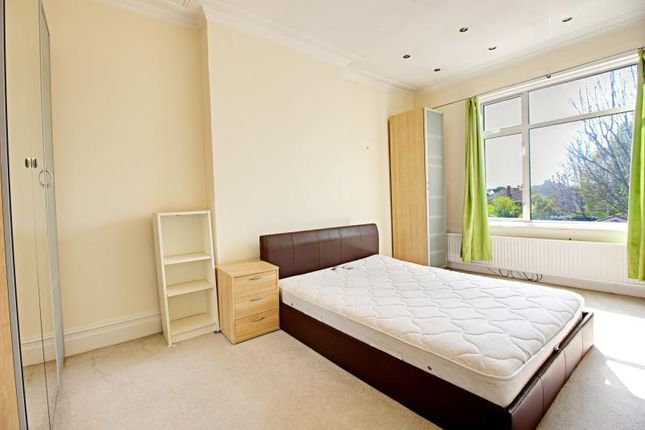 Thumbnail Flat to rent in 33 Princes Avenue, Finchley, London