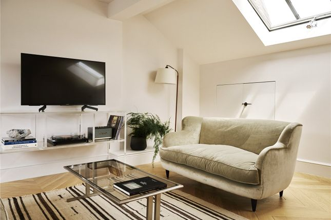 Thumbnail Flat to rent in Weymouth Mews, Marylebone, London