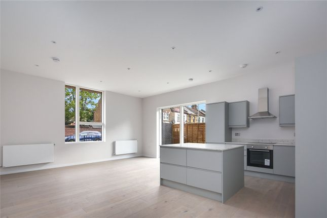 4 bed flat for sale in Water Lane, Stratford, London E15