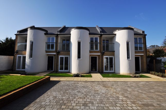 Thumbnail Mews house for sale in Canmore Court, Croydon