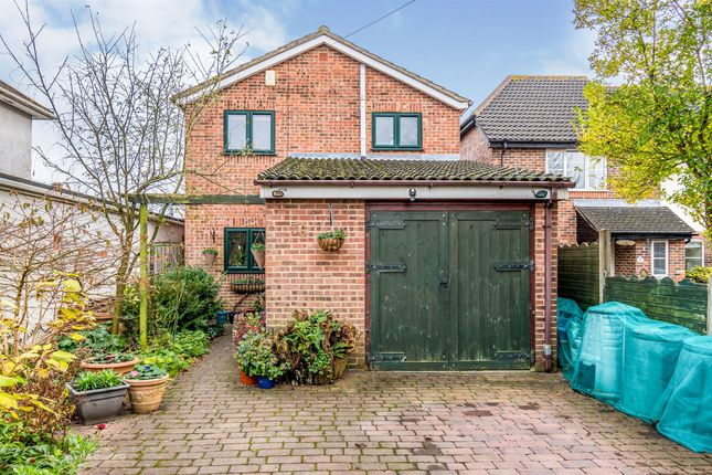 Thumbnail Detached house for sale in North East Road, Southampton