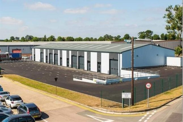 Thumbnail Retail premises to let in 1c And 1d, Drakes Drive, Crendon Industrial Estate