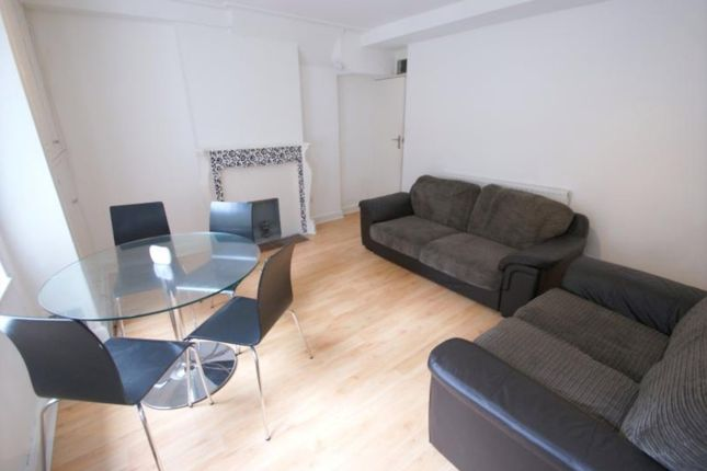 Thumbnail Shared accommodation to rent in Shaw Lane, Headingley, Leeds