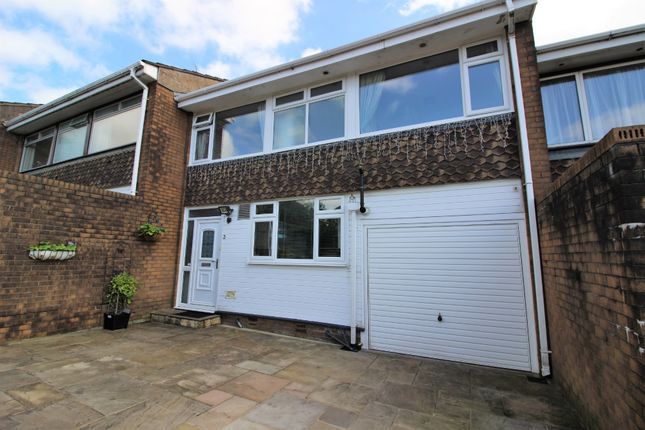 Thumbnail Terraced house for sale in Cedar Close, Glossop
