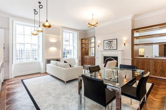 Thumbnail Flat for sale in Buckingham Street, London
