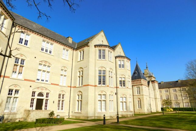 Thumbnail Flat for sale in Huntingdon Wing, Fairfield Hall, Kingsley Avenue, Stotfold, Herts