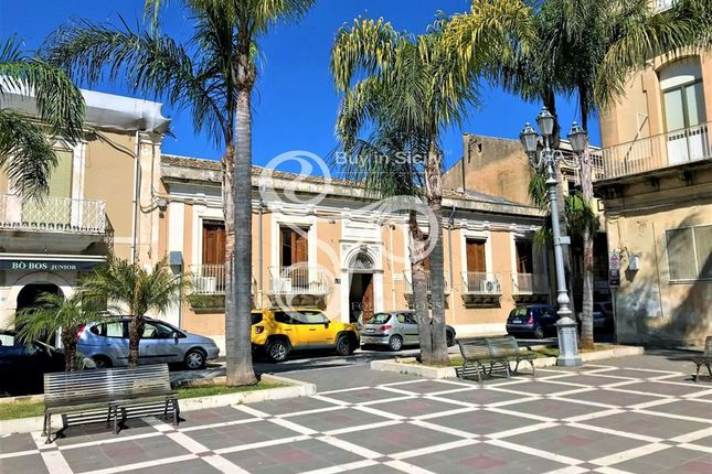 Property for sale in Piazza Umberto I, Sicily, Italy