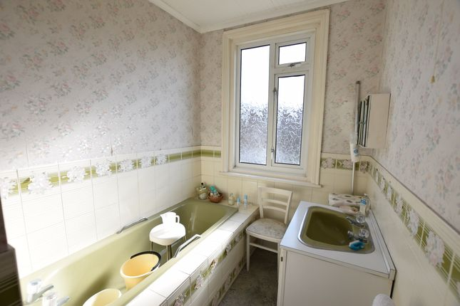 Bathroom of Whitley Road, Eastbourne BN22