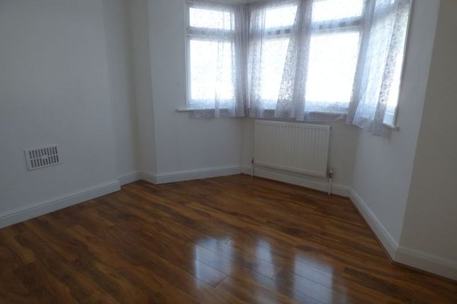 Thumbnail Detached house to rent in The Drive, Morden
