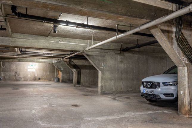 Thumbnail Parking/garage to rent in Chester Court, Regent's Park, London