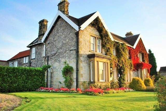 Thumbnail Hotel/guest house for sale in 53 Bondgate, York