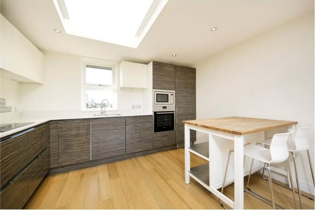 Thumbnail Flat to rent in Beaumont Road, Chiswick, London
