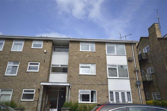 Thumbnail Flat to rent in Esplanade Road, Scarborough