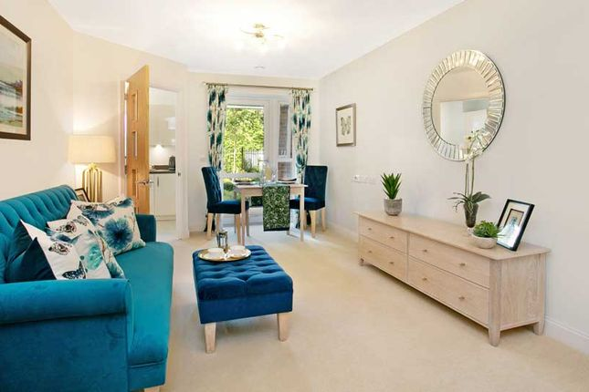 Thumbnail Flat for sale in London Road, Bagshot