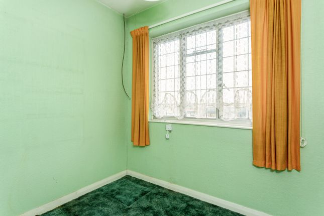 Bedroom 3 of Queens Park Parade, Northampton NN2
