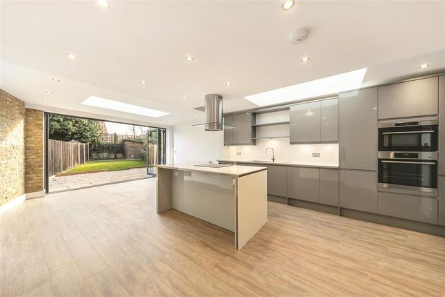 Thumbnail Terraced house to rent in Dyers Lane, London