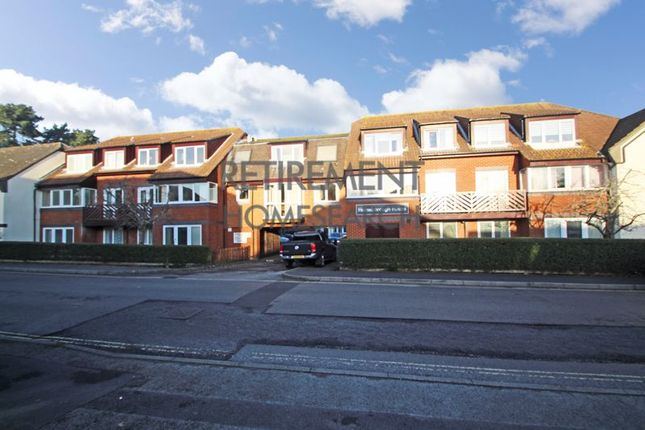 Thumbnail Flat for sale in Homeborough House, Hythe