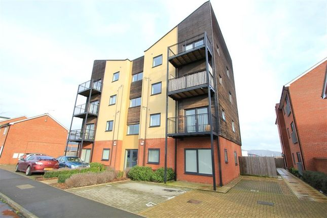 Thumbnail Flat to rent in Edge Street, Aylesbury
