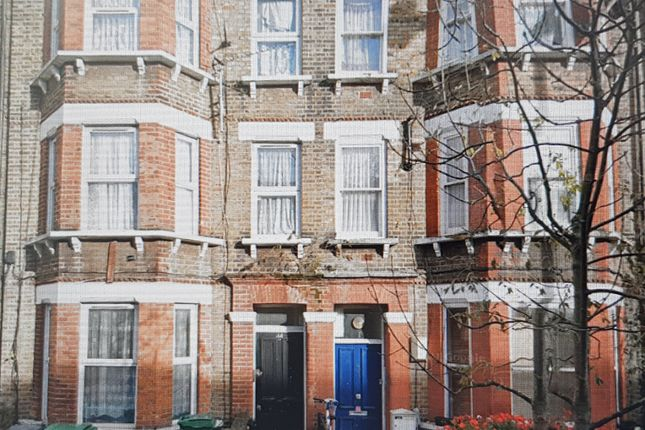 Thumbnail Flat to rent in Camden Street, London