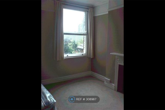 Thumbnail Room to rent in Victoria Road, New Barnet
