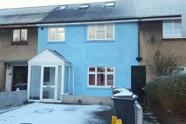 Thumbnail Terraced house for sale in Arundel Close, London