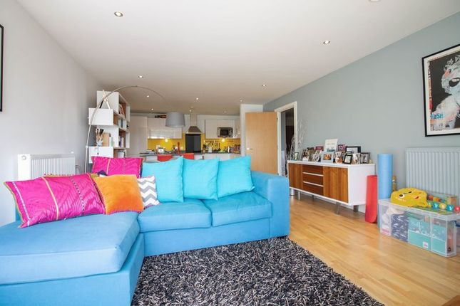 Thumbnail Flat to rent in Wood Wharf, London