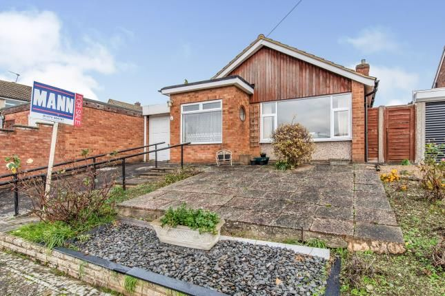 Thumbnail Bungalow for sale in Biddenden Way, Istead Rise, Gravesend, Kent