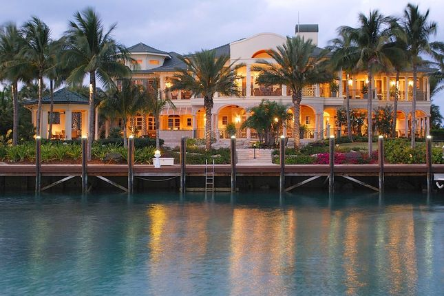 Thumbnail Property for sale in Ocean Club Estates, Paradise Island, The Bahamas