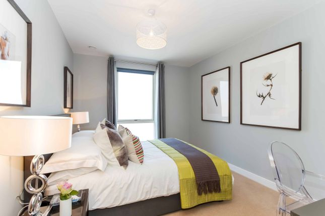 Thumbnail Flat for sale in Greenwich, Greenwich